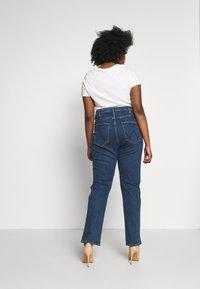 Wrangler Plus - PLUS - Straight leg jeans - dark blue - 2