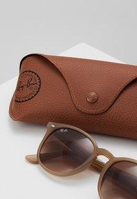 Ray-Ban - Sluneční brýle - light brown - 2
