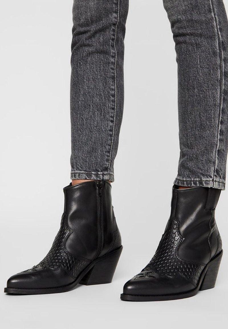 Bianco - Cowboy/biker ankle boot - black