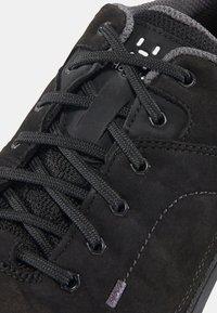 Haglöfs - HIKINGSCHUH RIDGE GT WOMEN - Hiking shoes - true black - 5