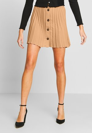BUTTON PLEATED MINI - Falda acampanada - camel
