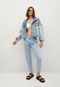 Mango - MOM90 - Jeans Tapered Fit - lichtblauw - 1