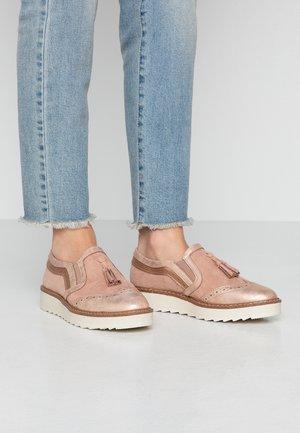 Nazouvací boty - rose