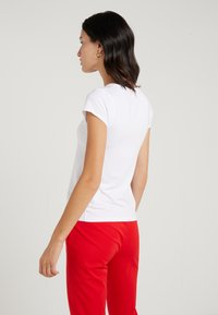 J.CREW - CREW STRETCH SHORT SLEEVE TEE - Basic T-shirt - white - 2