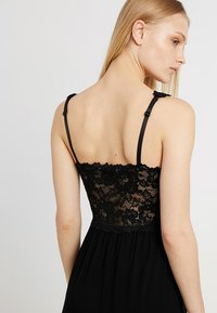 Hunkemöller - SLIPDRESS - Nightie - black - 4