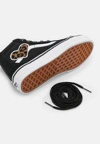 Vans - SK8 ZIP - Sneakers hoog - black - 5