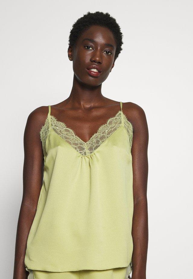LYNN - Pyjama top - lime