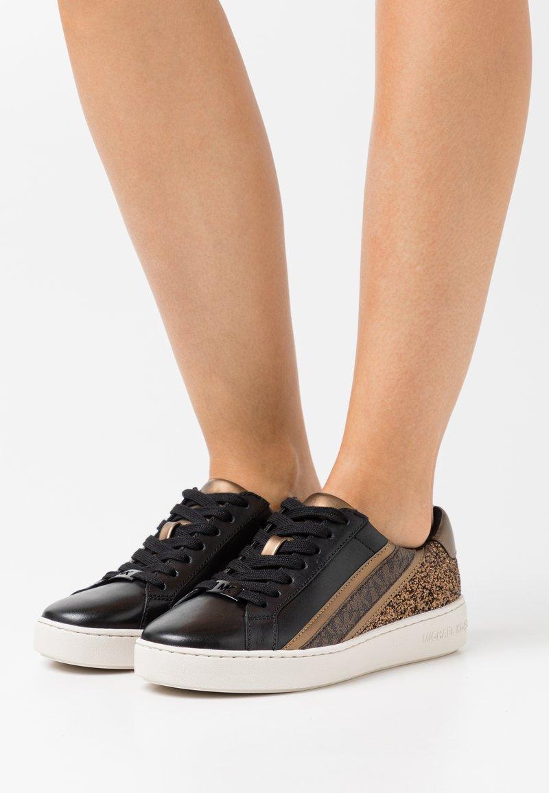 MICHAEL Michael Kors - SLADE LACE UP - Sneakers basse - black/bronze