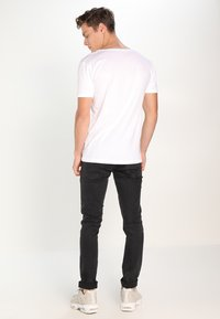 Knowledge Cotton Apparel - BASIC FIT O-NECK - T-shirt basic - offwhite - 2