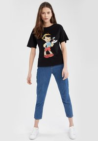 DeFacto - DISNEY PINOCCHIO - Print T-shirt - black - 1