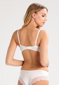 Triumph - BODY MAKE UP - T-shirt bra - off-white - 2
