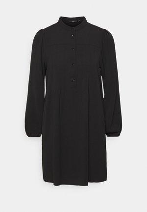 VMSAGA PLEAT SHORT DRESS - Shirt dress - black