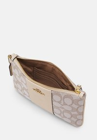 Coach - SIGNATURE SMALL WRISTLET - Wallet - stone ivory - 2