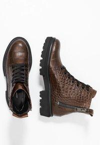 Kennel + Schmenger - BOBBY - Platform ankle boots - cognac - 3