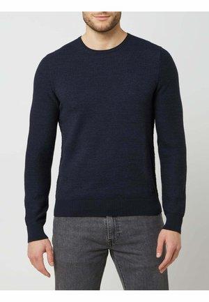 Stickad tröja - marineblau