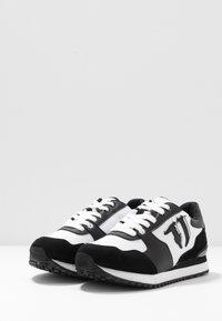 Trussardi Jeans - Sneakers - white/black - 4