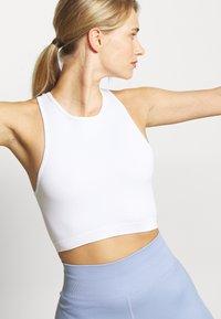 Cotton On Body - SEAMLESS WAFFLE VESTLETTE - Top - white - 3