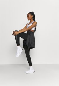 Puma - RUN COOLADAPT HIGH RISE  - Collant - black - 1