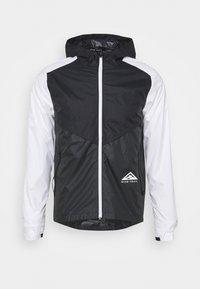 Nike Performance - TRAIL WINDRUNNER  - Hardloopjack - black/smoke grey/white - 5