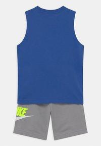 Nike Sportswear - CLUB SET - Top - smoke grey - 1