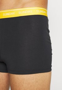 Calvin Klein Underwear - DAYS OF THE WEEK TRUNK 7 PACK - Culotte - black