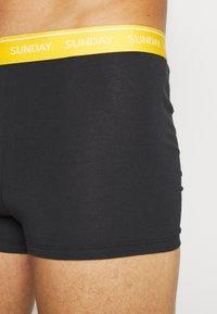 Calvin Klein Underwear - DAYS OF THE WEEK TRUNK 7 PACK - Onderbroeken - black - 10