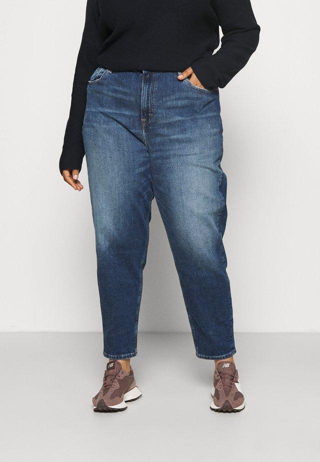 MOM - Jeans Tapered Fit - denim medium