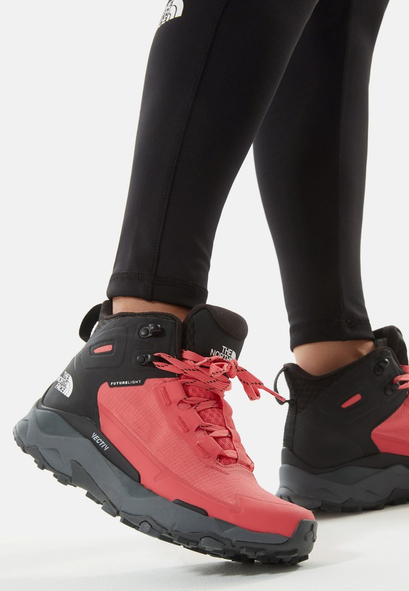 The North Face - VECTIV EXPLORIS MID FUTURELIGHT - Hiking shoes - fiesta red/tnf black