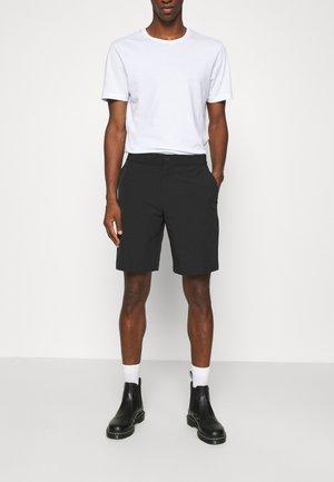 HYBRID - Shorts - black