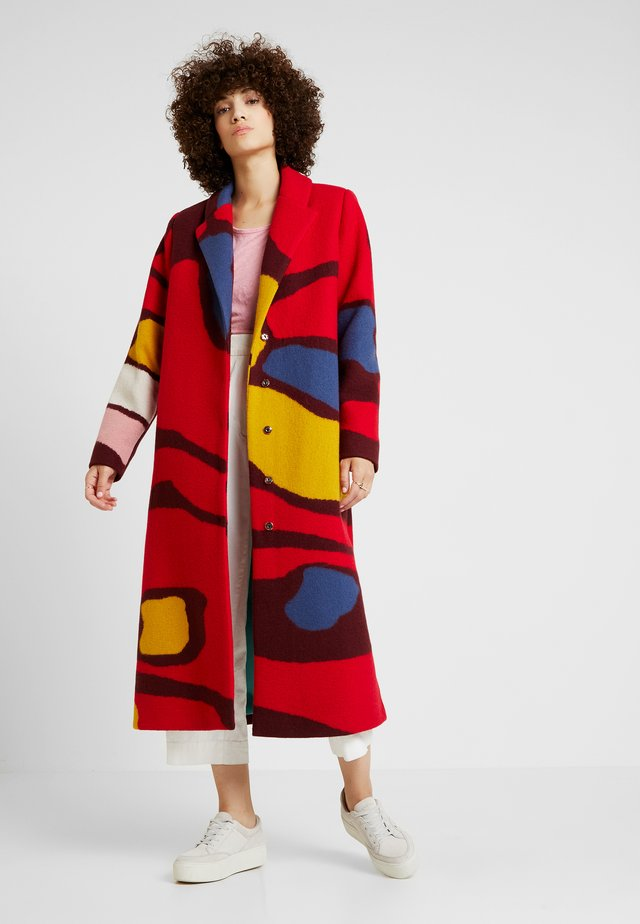 INTARSIA PATTERN - Classic coat - red