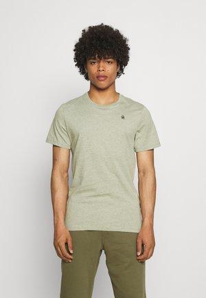 BASE - T-shirt - bas - grege green