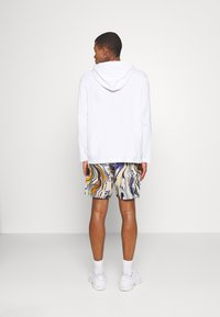 Vintage Supply - PULL ON IN TRIPPY OIL SLICK PRINT UNISEX - Shorts - multi coloured - 2