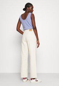 American Vintage - TINEBOROW - Straight leg jeans - ecru - 2