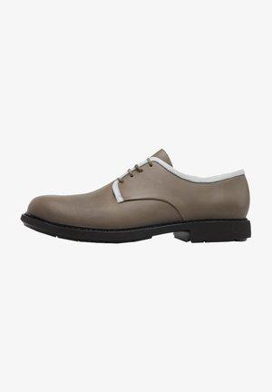 TWINS - Sznurowane obuwie sportowe - grün