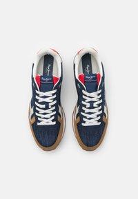 Pepe Jeans - BRITT MAN - Sneakers - dark denim - 3