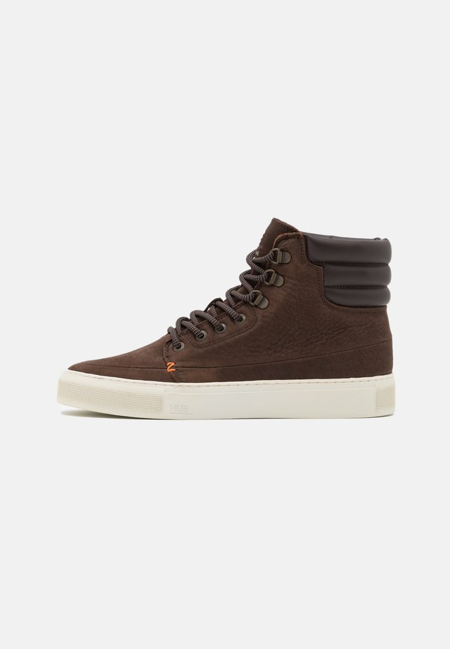 EASTBOURNE - Sneakersy wysokie - dark brown/offwhite