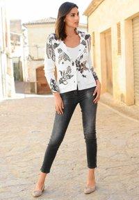 Alba Moda - Cardigan - off-white,anthrazit,rosenholz - 3