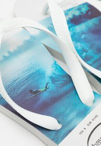 Havaianas - HYPE UNISEX - T-bar sandals - white/blue - 5