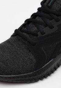 Reebok - FLEXAGON 3.0 - Sportovní boty - black - 5