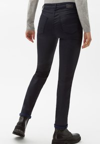 BRAX - STYLE SHAKIRA - Jeans Skinny Fit - clean navy - 2