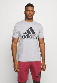 adidas Performance - ESSENTIALS SPORTS SHORT SLEEVE TEE - Print T-shirt - medium grey heather - 0