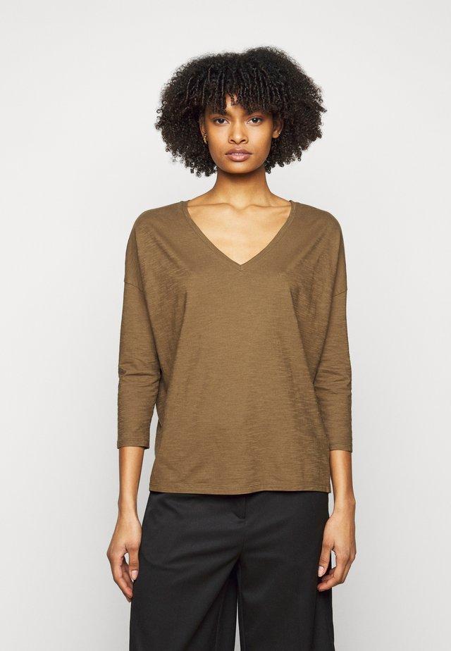 VENJA - T-shirt à manches longues - green