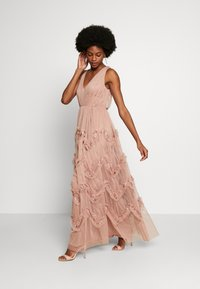 Anaya with love - KEY HOLE BACK MAXI DRESS - Abito da sera - pearl blush
