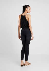 ONLY - ONYANNE MID ANKLE - Jeans Skinny Fit - black denim - 2
