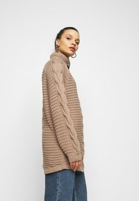 Pieces Petite - PCDIGA ROLL NECK LONG - Jumper - taupe gray - 3
