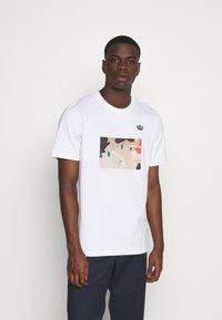 adidas Originals - Print T-shirt - white - 0