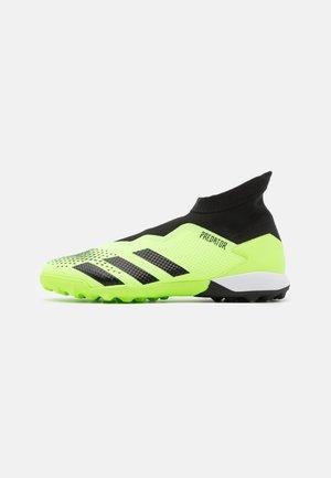 PREDATOR 20.3 FOOTBALL BOOTS TURF - Astro turf trainers - signal green/clear black/footwear white