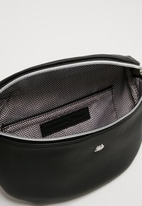 TOM TAILOR DENIM - ROSIE BELTBAG - Bum bag - black - 4
