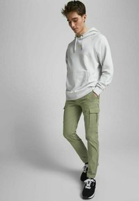 Jack & Jones - Cargo trousers - deep lichen green - 3