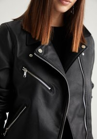 DeFacto - Giacca in similpelle - black - 4